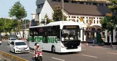 Prototipe bus listrik MAB