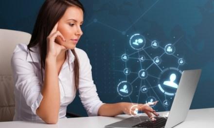 Buscan que más mujeres se sumen a estudiar carreras relacionadas a la informática.