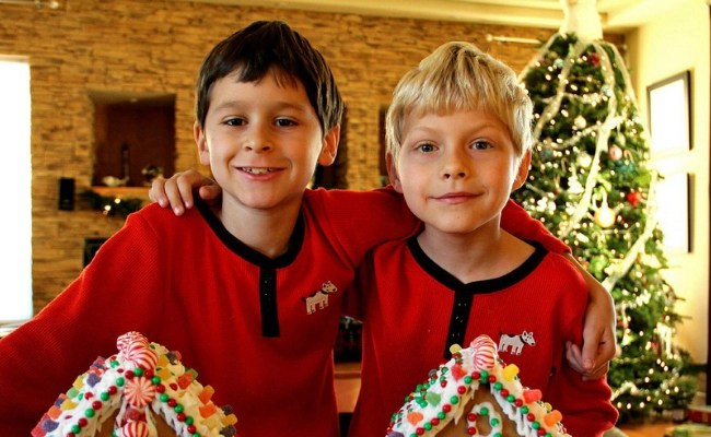 50+ Christmas Activities For Families Your Kids Will Actually Enjoy