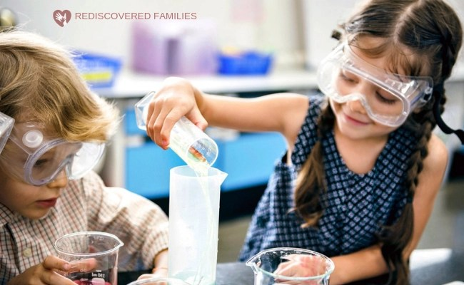 kids doing simple science experiments