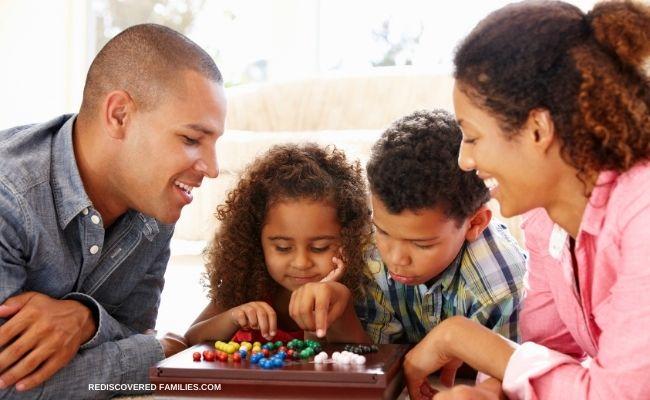 Family bonding over game