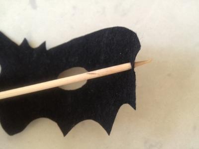 easy felt bat mask, bat halloween mask, bat costume, easy halloween costume, no sew halloween costume, easy bat mask