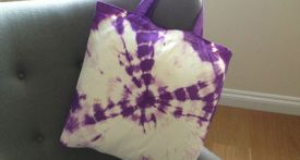 tie dye bag, how to tie dye, tie dye tutorial, homemade bag, tie dye christmas gift, craft projects with fabric dye