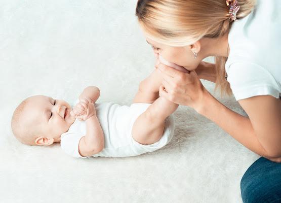 baby massage, baby massage class, witney, baby group, meet mums