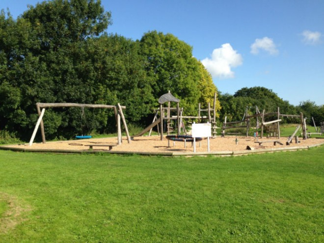 upton playground, best playground in oxfordshire, top playgrounds oxfordshire, upton village hall, pump track upton, bike rides kids oxfordshire