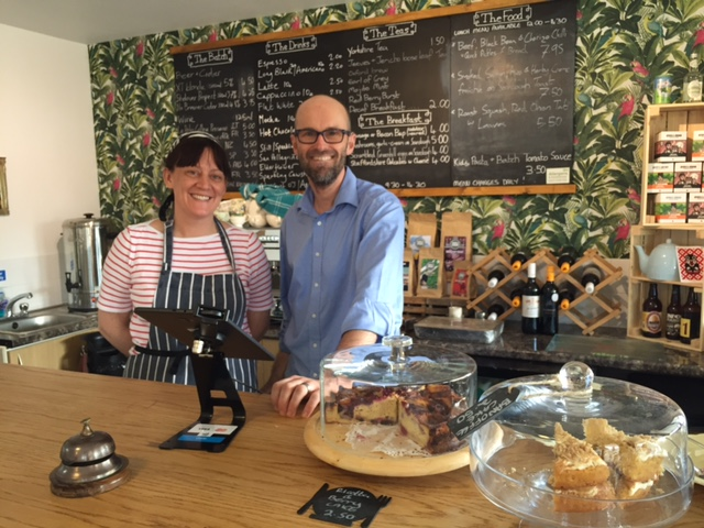 the batch cafe, bletchingdon, cafe with playpark, great cakes