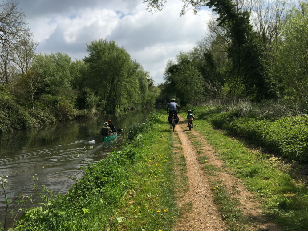 Where To Go For A Family Bike Ride In Berkshire - Red Kite Days
