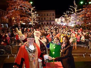 christmas lights newbury 2017, christmas parade newbury, santa grotto newbury