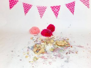 cake smash photographer bicester, cake smash bicester, sophie kendall photography, where to get a family portrait in bicester