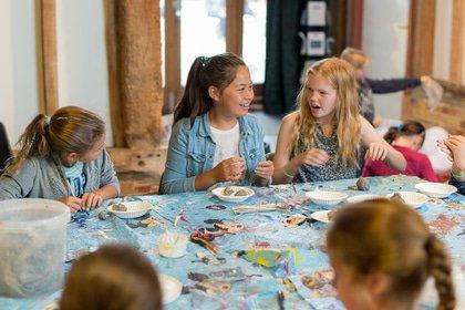 Art Easter holiday club Berkshire