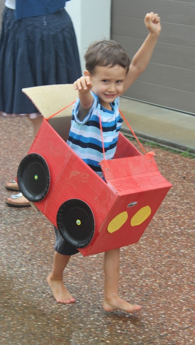 cardboard box car, cardboard box race car, DIY cardboard box car, Make kids cardboard car, car themed kids party ideas