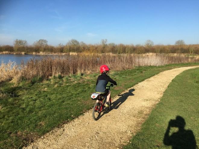tar lakes witney, biking witney, buggy walk witney, pushchair walk witney, tar lakes