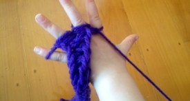 finger knitting, finger knitting step by step, finger knitting tutorial