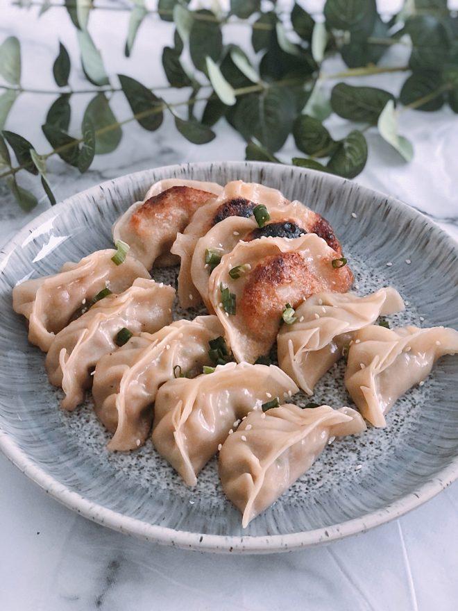 DIY gyoza, easy gyoza receipe, chinese new year dumplings, authentic gyoza recipe