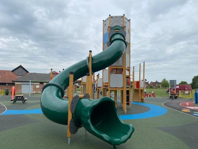 new play park Benson, Benson playground, Benson Parish Council park, best parks near Wallingford, best parks in South Oxfordshire
