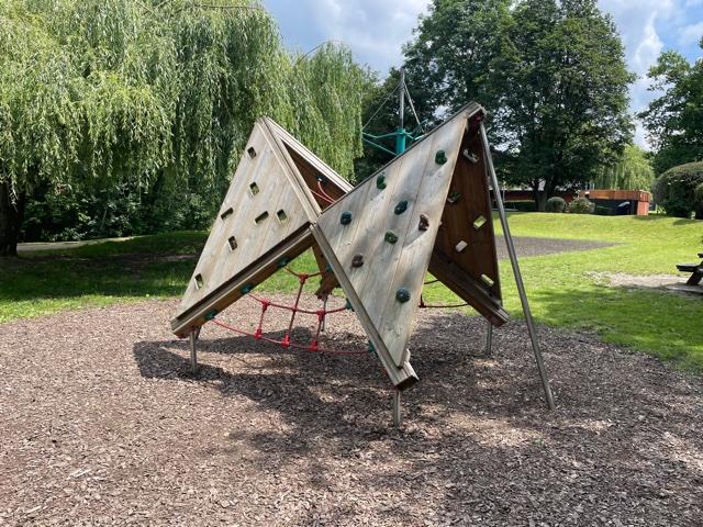 mill park bracknell, bracknell play park, bracknell parks
