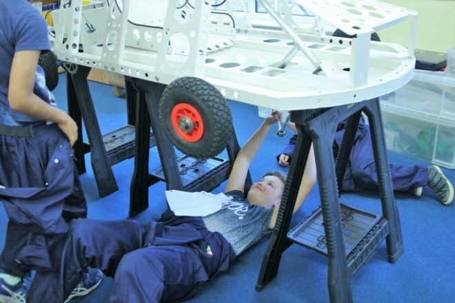 october half term holiday club oxford, engineering holiday club oxford, build your own race car