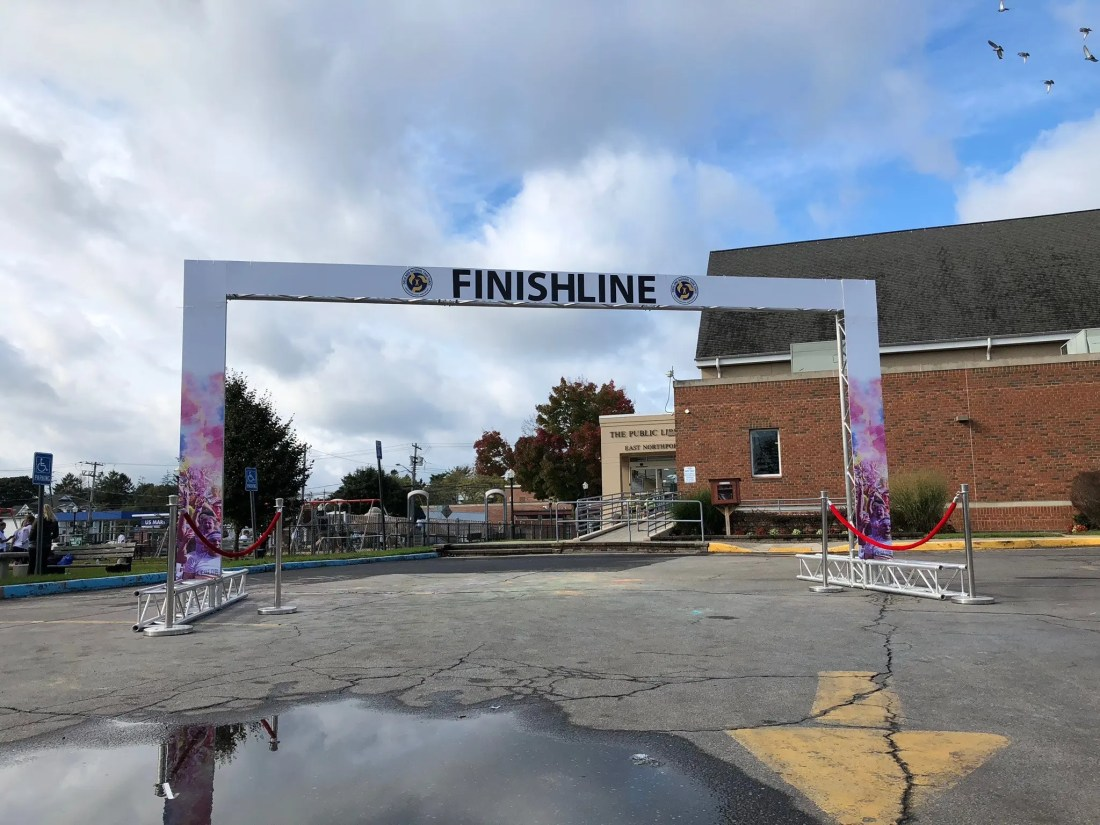 branded finish line arch for color run