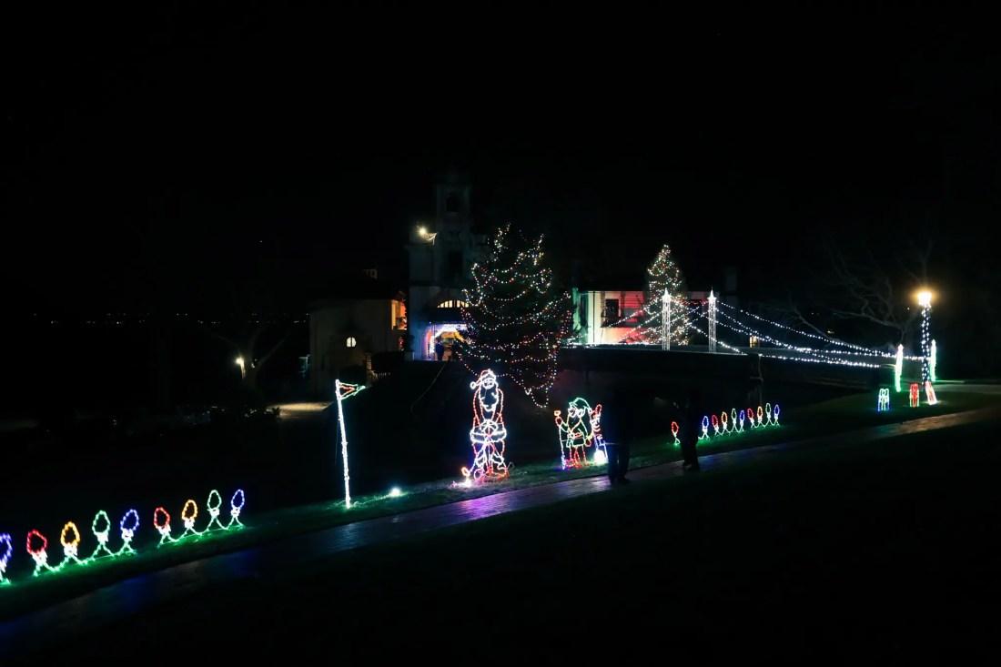 bright lights christmas light displays