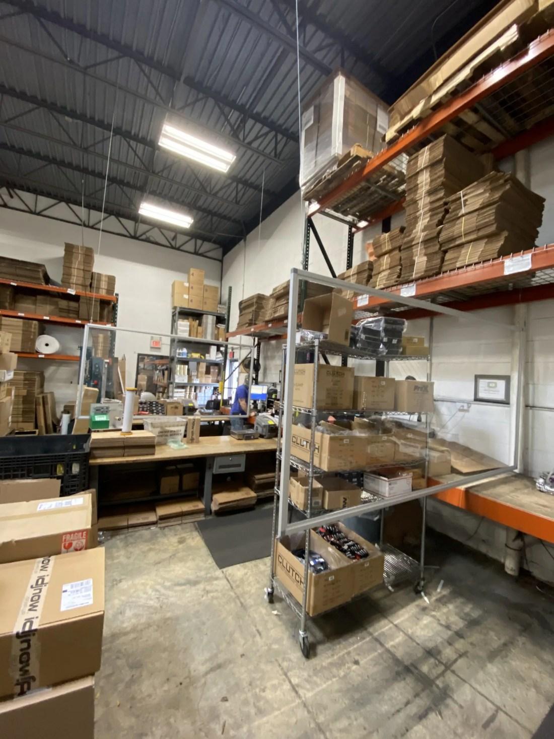 Warehouse sneeze guard divider
