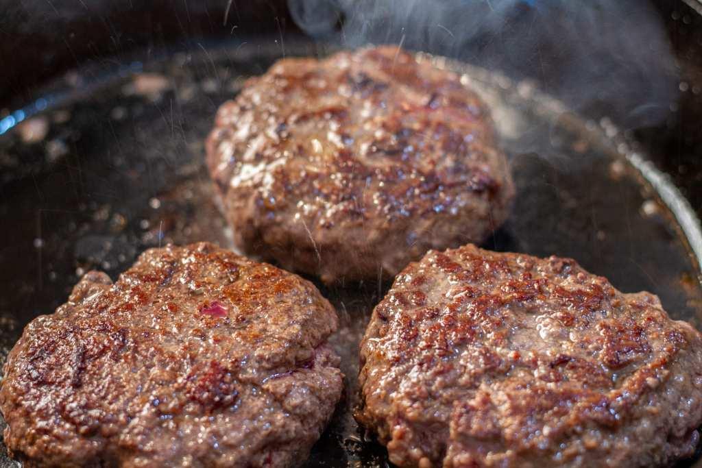 Wagyu Beef vs Angus Beef vs Grass Fed Beef Hamburgers