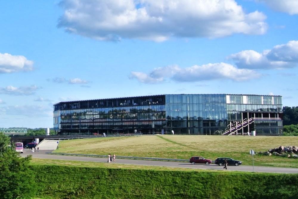 Žalgirio_Arena,_Kaunas,_Lithuania.jpg