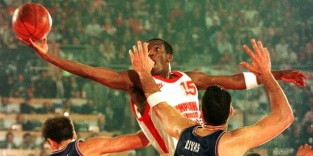 david-rivers-olympiacos.jpg