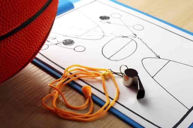 A-Beginners-Guide-to-Basketball-Tactics-for-New-Players-New-Fans.jpg