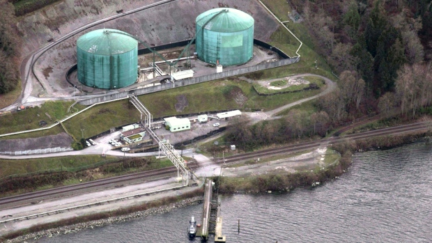Kinder Morgan Serves Notice to Landowners on Pipeline Route