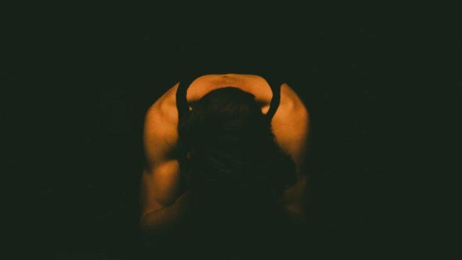 ¿CÓMO PENSAR CUANDO LA PALABRA Y EL SUFRIMIENTO NO CUENTAN? BANALIZACION DEL LENGUAJE Y EL SUFRIMIENTO