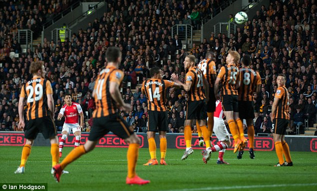 The Hull City crowd actually applauded Sanchez after he bent this wicked free-kick over the wall on May 4