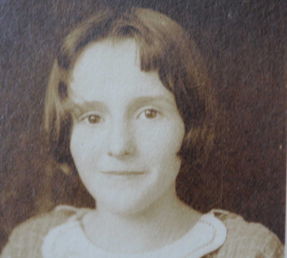 Mom, October 1927 (age 12), all rights reserved