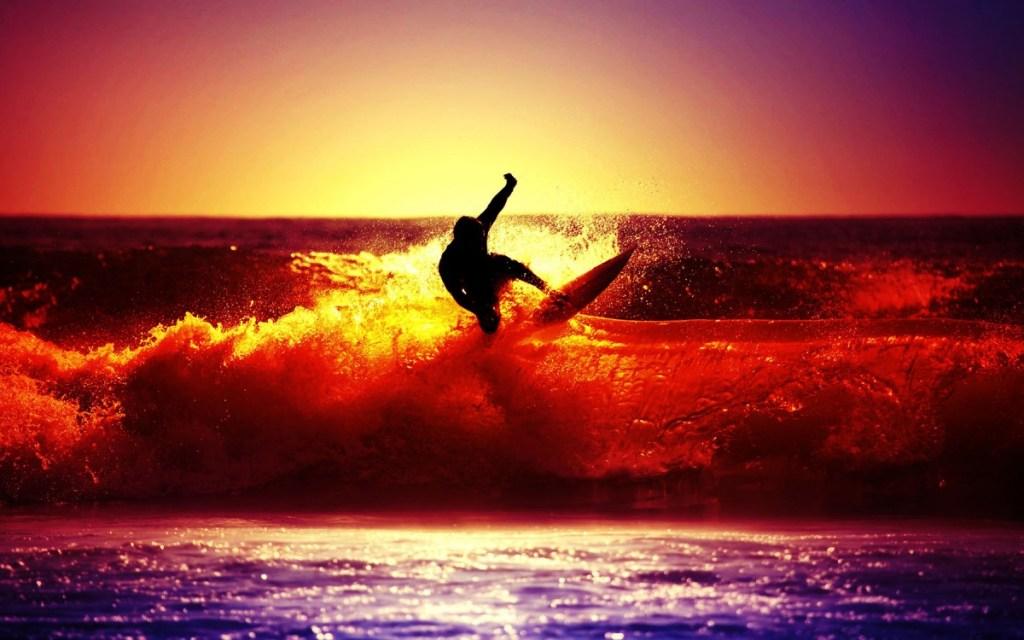 ws_Beach_Surfer_1800-1200x750