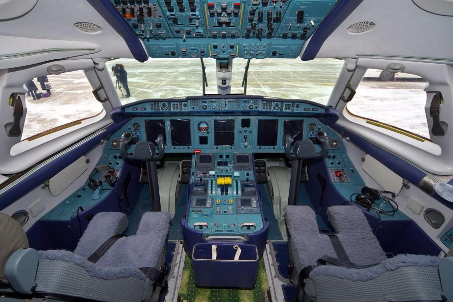 Antonov_An-148-100B_AN1844124
