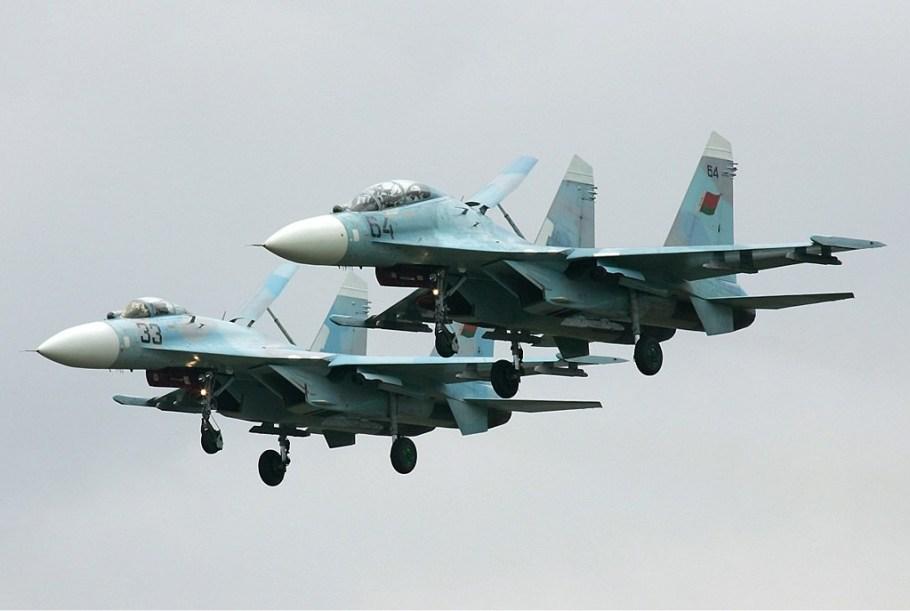 Belarus_Air_Force_Sukhoi_Su-27UB_Pichugin-1