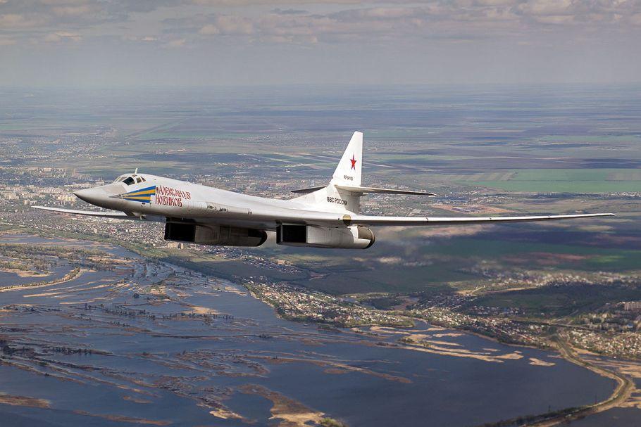Tupolev_Tu-160_RF-94109