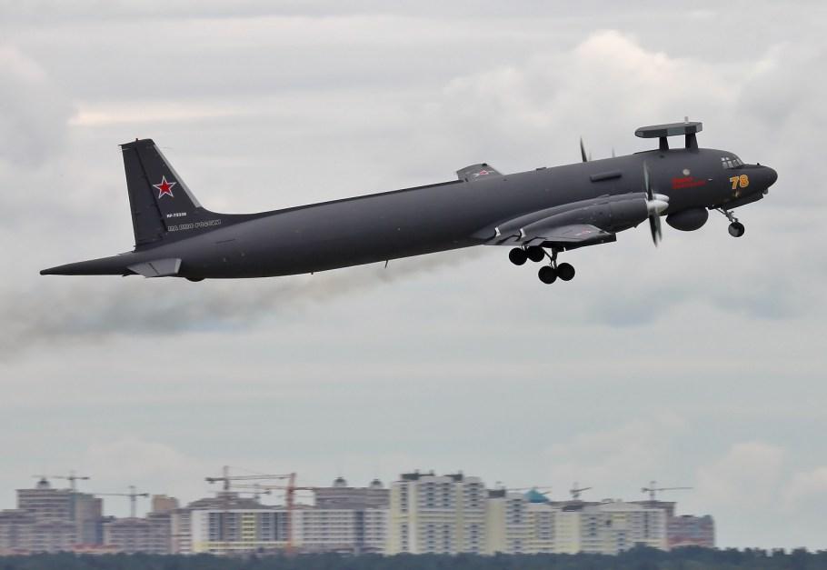 Russian_Navy_Ilyushin_Il-38N_taking_off_at_Zhukovsky