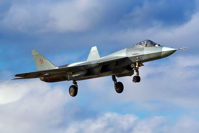 800px-Sukhoi_T-50_Russia_-_Air_Force_AN2310127