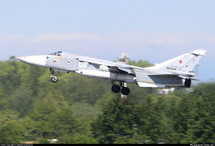 rf-34003-russian-navy-sukhoi-su-24m_PlanespottersNet_774149_7ab3369cc6.jpg