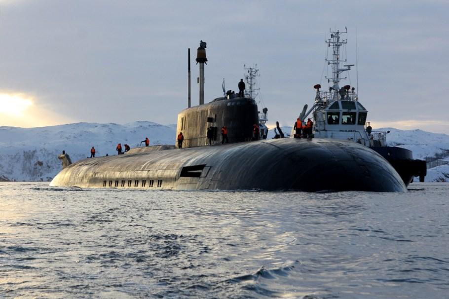 _атомного_подводного_ракетного_крейсера_Северного_флота_«Орёл»_в_пункт_постоянного_базирования_07