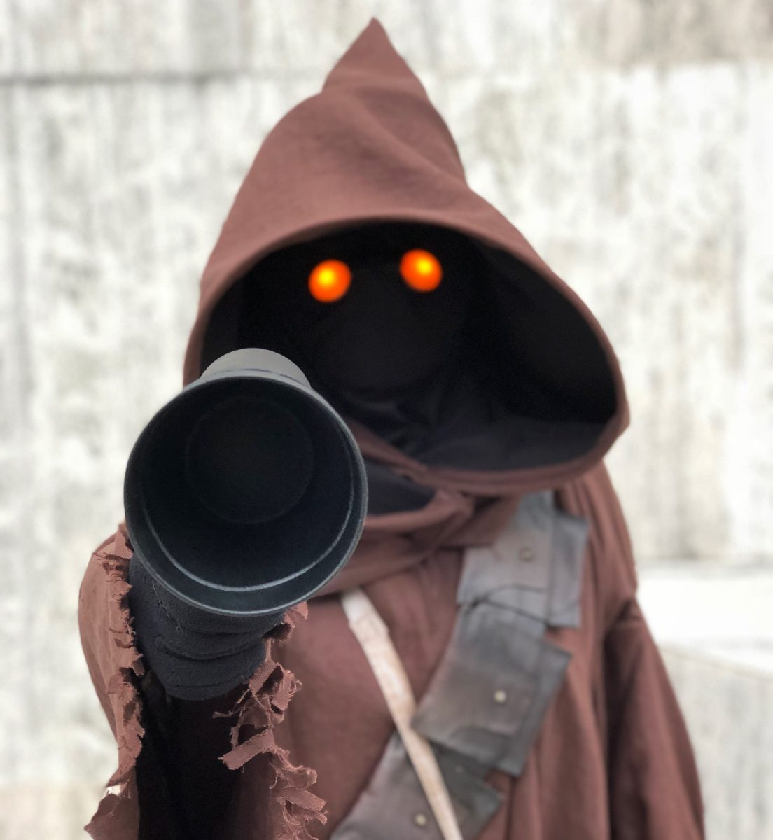 Costuming a Jawa from Star Wars