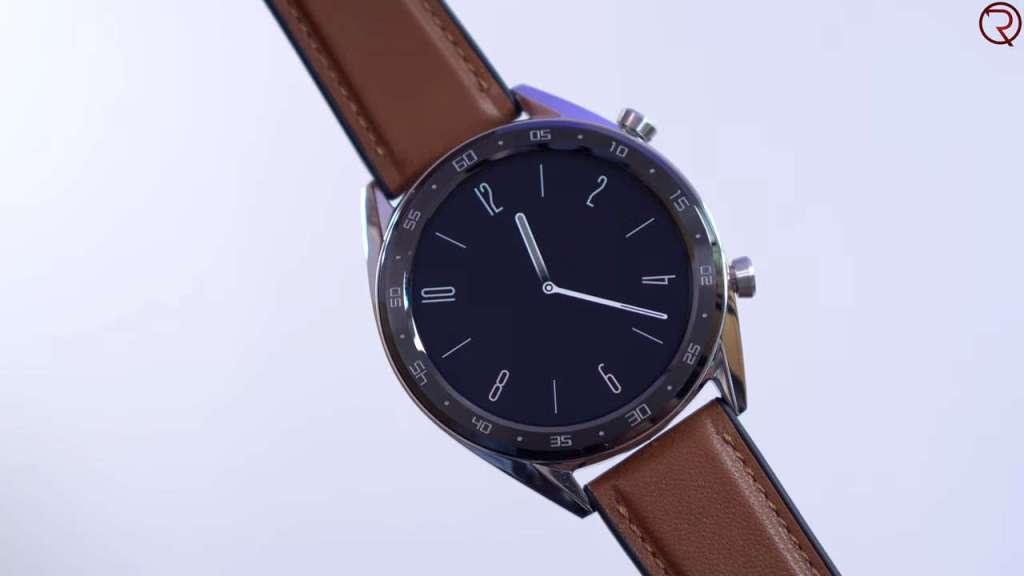 Huawei Watch GT stylish look