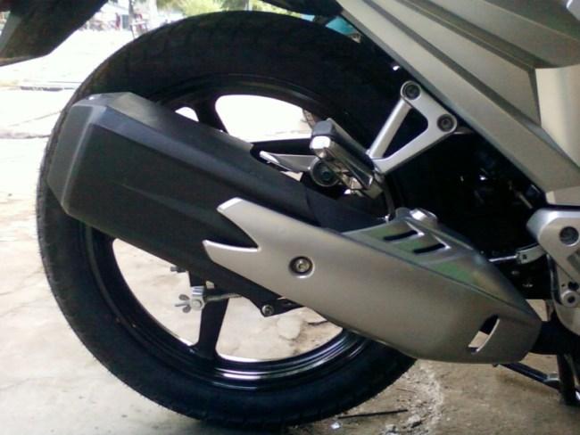 Mengecat Cover Knalpot Yamaha Scorpio