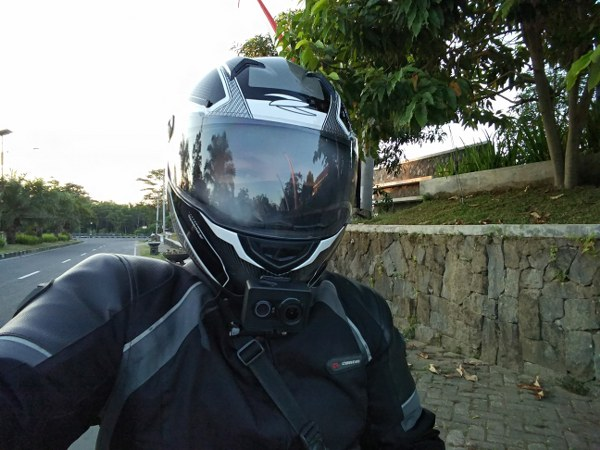 Review Zeus Helmet Z811