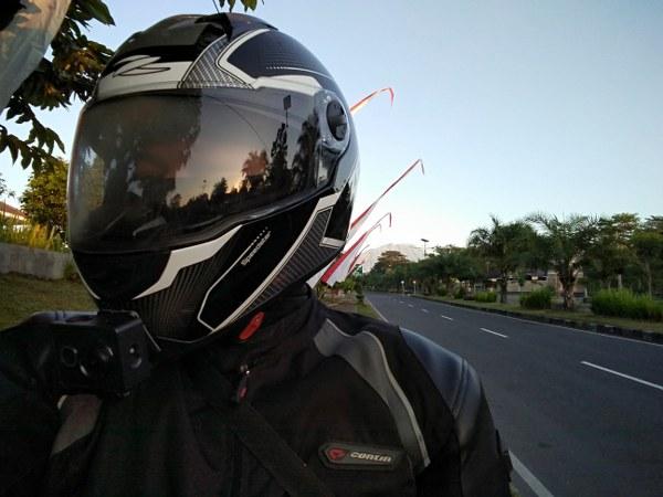 Review Zeus Helmet Z811