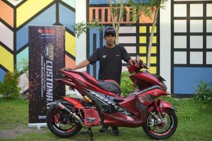 Deddy Hidayat pemenang semifinal kelas Aerox 155 CustoMAXI Banjarmasin_800x533