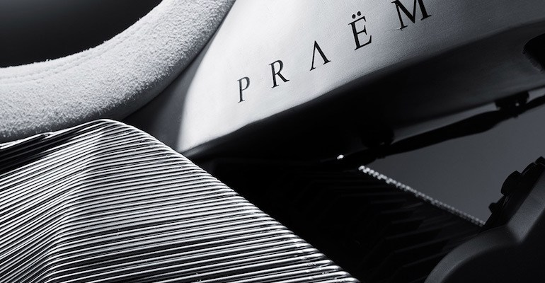 PRAEM SP3 Motor Custom Berbasiskan Honda VTR1000