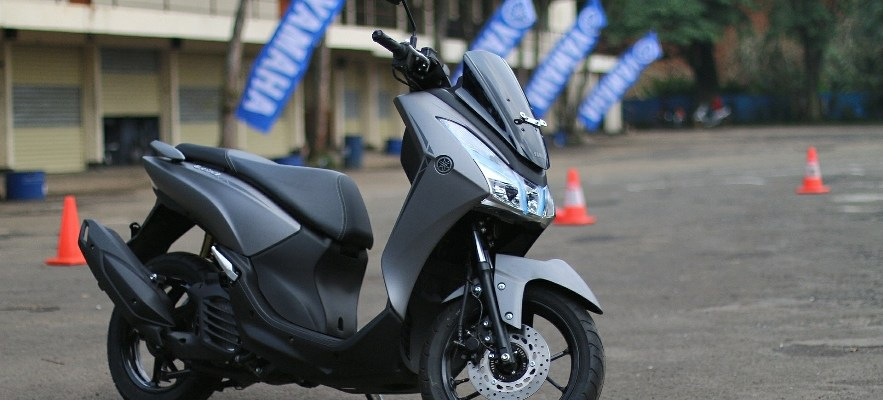 Yamaha LEXi 125 Smart is The New Sexy