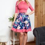 Rochie Corai StarShinerS In Clos Cu Imprimeuri Florale Si Accesoriu In Forma De Fundita