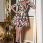 Rochie Artista verde cu decolteu cu imprimeuri florale